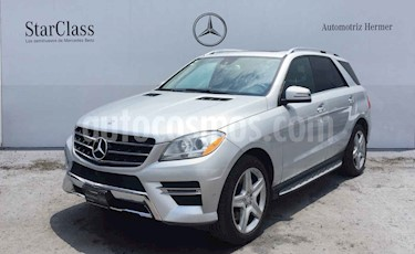 Foto Mercedes Benz Clase M ML 350 CGI Sport AMG usado (2014) color Plata precio $449,900