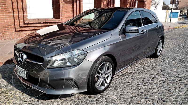 Foto Mercedes Clase A 200 CGI Aut usado (2017) color Gris precio $295,000