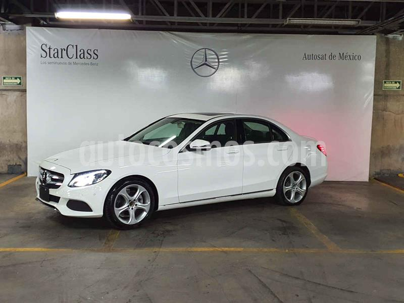 Foto Mercedes Clase C 200 CGI Sport usado (2018) color Blanco precio $599,000