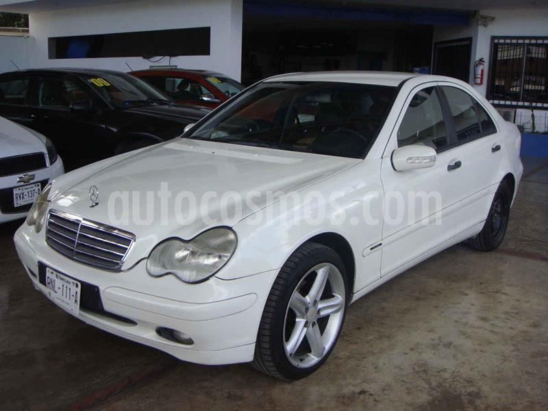 Mercedes Clase C 200 Aut usado (2003) color Blanco precio $90,000
