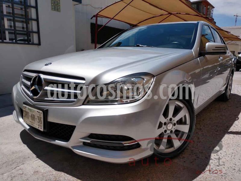 Mercedes Clase C 180 CGI Aut usado (2014) color Plata precio $215,000