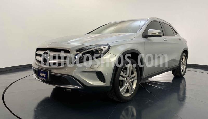 Mercedes Clase GLA Version usado (2017) color Dorado precio $372,999