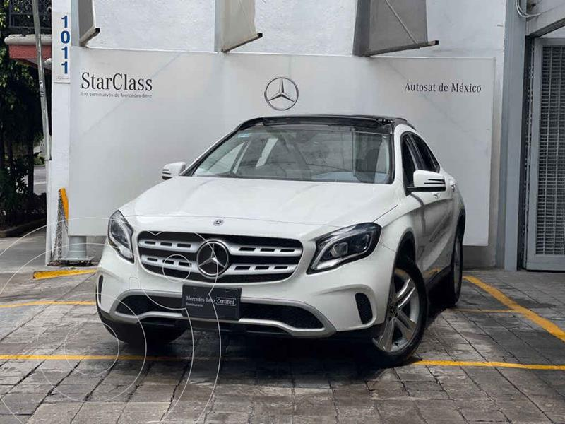 Foto Mercedes Clase GLA 200 CGI usado (2019) color Blanco precio $547,000