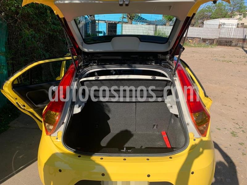 MG 3 Std 1.5L  usado (2015) color Amarillo precio $4.200.000