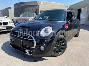 MINI Cooper S Hot Chili Aut usado (2018) color Negro precio $375,000