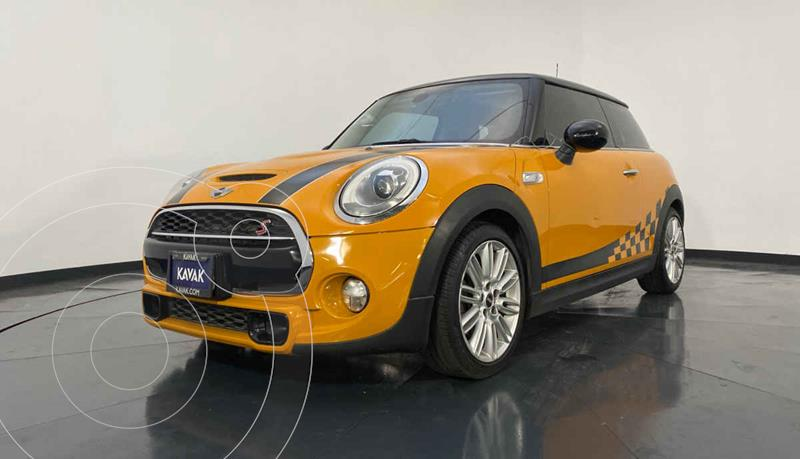 MINI Cooper Version usado (2016) color Naranja precio $279,999
