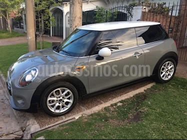 MINI Cooper Pepper 1.5 3P Aut usado (2017) color Gris Metalico precio u$s25.300
