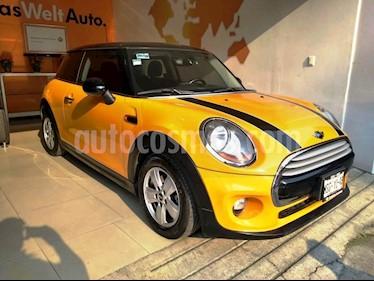 Foto venta Auto Seminuevo MINI Cooper Salt Aut (2014) color Amarillo precio $235,000