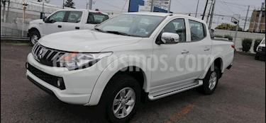 Mitsubishi L200 4x2 2.4L Cabina Doble usado (2018) color Blanco precio $279,000