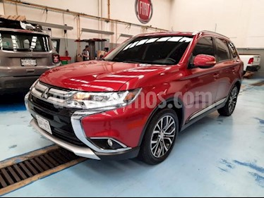 Mitsubishi Motors Outlander 5P SE CVT 5 PAS. CAMARA DE REVERSA QC F. NIEBLA R usado (2017) color Rojo precio $295,000