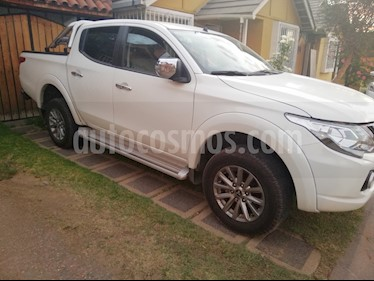 Mitsubishi L-200 2.4L TD Dakar 4X4 High Power usado (2018) color Blanco precio $19.500.000