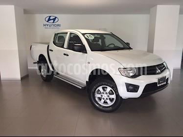 Foto venta Auto usado Mitsubishi L200 4x2 2.4L Cabina Doble (2015) color Blanco precio $199,000