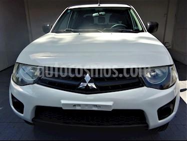 Foto venta Auto usado Mitsubishi L200 4x2 2.4L Cabina Doble (2010) color Blanco precio $165,000