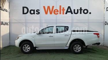 Foto venta Auto usado Mitsubishi L200 4x2 2.4L Cabina Doble (2018) color Blanco precio $325,000
