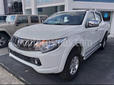 Foto venta Auto usado Mitsubishi L200 4x2 2.4L Cabina Doble (2018) color Blanco precio $310,000