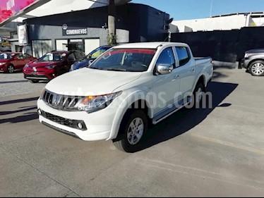 Foto venta Auto usado Mitsubishi L200 4x2 2.4L Cabina Doble (2017) color Blanco precio $289,000