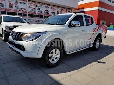 Mitsubishi L200 GLS GASOLINA DOBLE CABINA 4X2 usado (2018) color Blanco precio $305,000