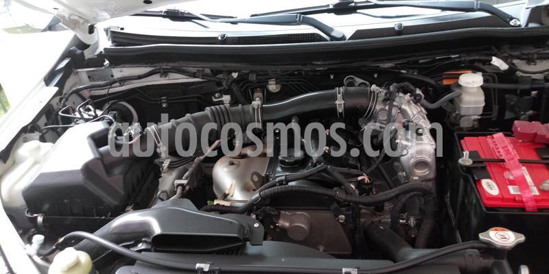 Mitsubishi L200 4x2 2.4L Cabina Doble usado (2016) color Blanco precio $220,000