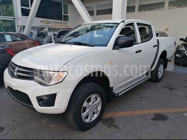 Mitsubishi L200 4p Doble L4/2.4 Man 2WD usado (2015) color Blanco precio $209,000
