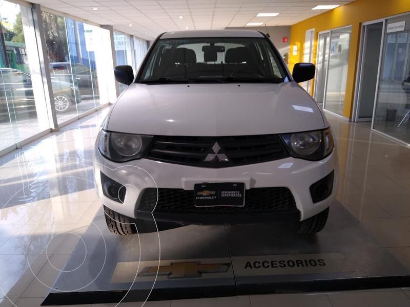 Mitsubishi L200 4x2 2.4L Cabina Doble usado (2015) color Blanco precio $230,900