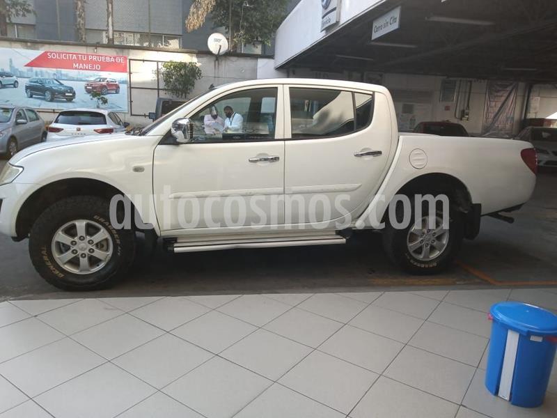 Mitsubishi L200 4x4 2.5L DI-D Cabina Doble usado (2015) color Blanco precio $199,500