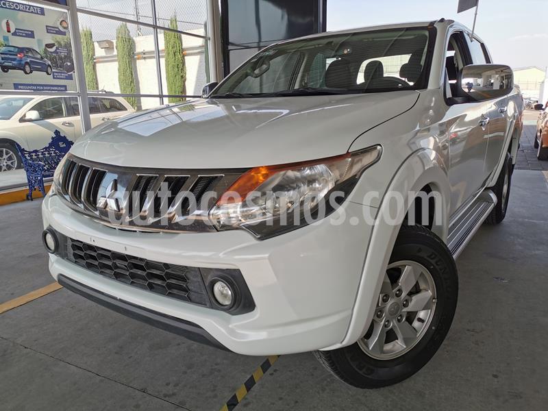Mitsubishi L200 4x2 2.4L Cabina Doble usado (2018) color Blanco precio $330,000