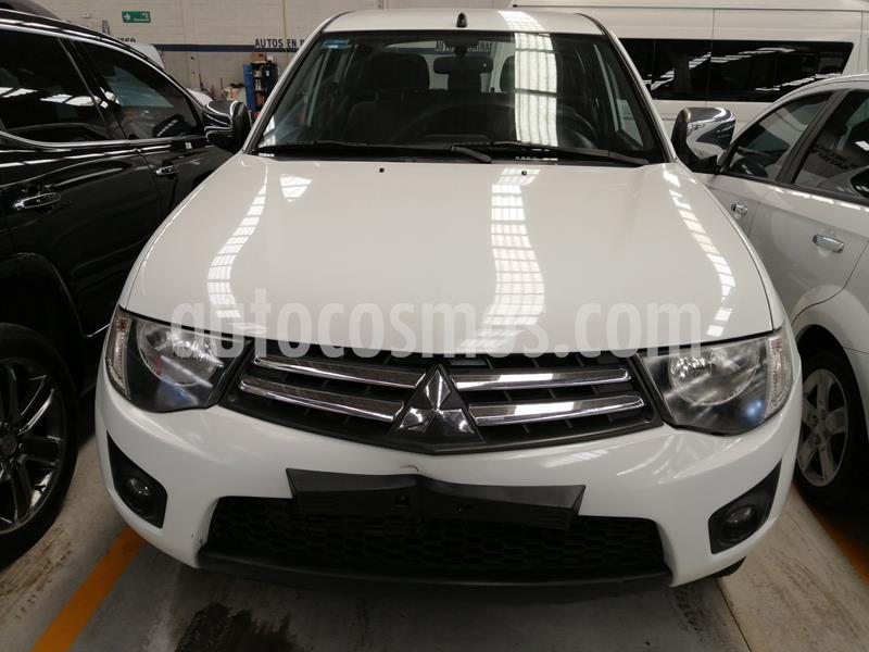 Mitsubishi L200 4x4 2.5L DI-D Cabina Doble usado (2015) color Blanco precio $222,000