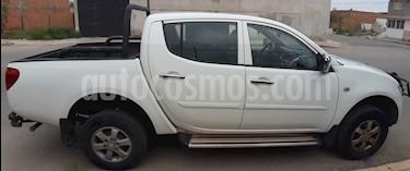 Foto Mitsubishi L200 4x4 2.5L DI-D Cabina Doble usado (2012) color Blanco precio $140,000