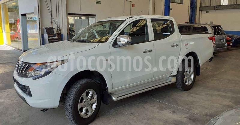 Mitsubishi L200 4x2 2.4L Cabina Doble usado (2019) color Blanco precio $394,900