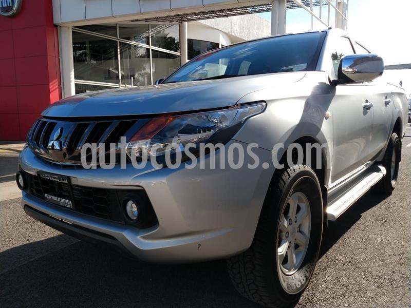 Mitsubishi L200 4x4 2.5L DI-D Cabina Doble usado (2018) color Plata Dorado precio $318,000