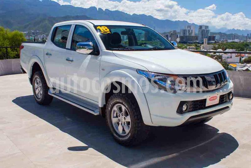 Mitsubishi L200 4x2 2.4L Cabina Doble usado (2018) color Blanco precio $279,700