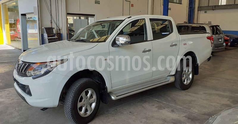 Mitsubishi L200 4x2 2.4L Cabina Doble usado (2019) color Blanco precio $389,900