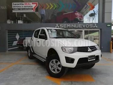 Mitsubishi L200 GLS 4x2 Gasolina usado (2015) color Blanco precio $220,000