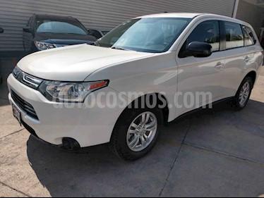 Foto venta Auto usado Mitsubishi Outlander 2.4L ES (2014) color Blanco precio $189,000