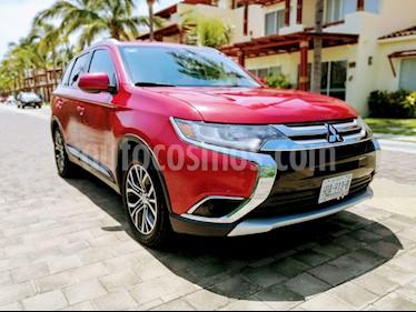 Mitsubishi Outlander 2.4L ES usado (2016) color Rojo precio $245,000
