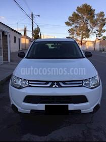 Foto venta Auto usado Mitsubishi Outlander 2.4L ES (2014) color Blanco precio $213,000
