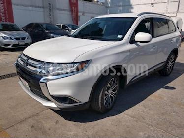 Foto venta Auto usado Mitsubishi Outlander 2.4L ES (2017) color Blanco precio $275,000