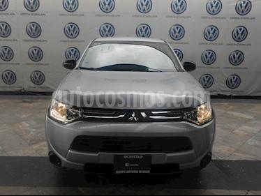 Foto venta Auto usado Mitsubishi Outlander 2.4L ES (2014) color Blanco precio $199,000