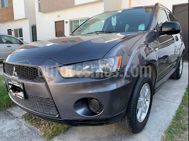 Foto venta Auto usado Mitsubishi Outlander 2.4L LS (2010) color Grafito precio $135,000
