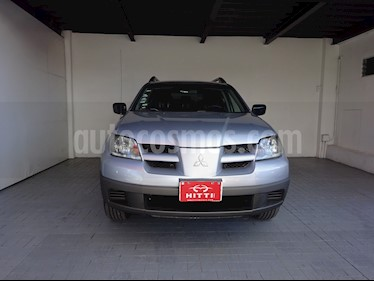 Foto venta Auto usado Mitsubishi Outlander 2.4L LS  (2004) color Plata precio $95,000