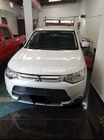 Mitsubishi Outlander 2.4L SE Plus usado (2015) color Blanco precio $240,000