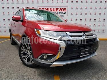 Foto venta Auto usado Mitsubishi Outlander 2.4L SE Plus (2017) color Rojo precio $319,000