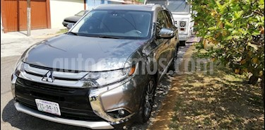 foto Mitsubishi Outlander 2.4L SE Plus usado (2018) color Gris precio $365,000