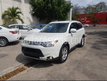 Foto venta Auto usado Mitsubishi Outlander 2.4L SE (2015) color Blanco precio $179,900
