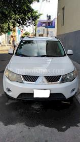 Foto venta Auto Seminuevo Mitsubishi Outlander 3.0L LS 7 Pas (2009) color Blanco precio $123,500