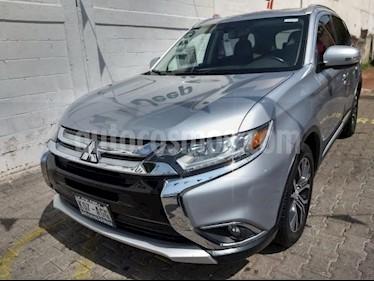 Foto venta Auto usado Mitsubishi Outlander 5p Limited L4/2.4 Aut (2016) color Plata precio $350,000