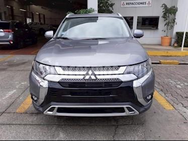 Foto venta Auto usado Mitsubishi Outlander 5p Limited L4/2.4 Aut (2019) color Gris precio $503,720