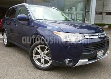 Foto Mitsubishi Outlander 5p SE L4/2.4 Aut usado (2015) color Azul precio $230,000