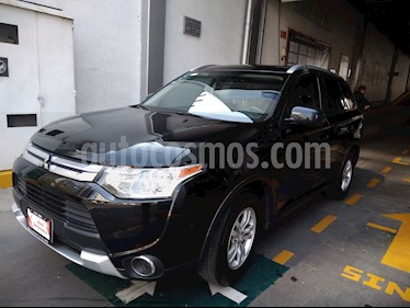 Foto venta Auto usado Mitsubishi Outlander ES (2015) color Negro precio $229,000