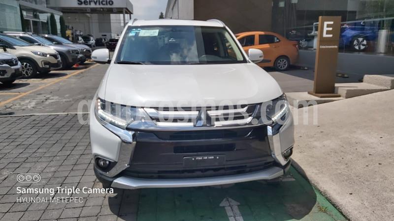 Mitsubishi Outlander 2.4L ES usado (2017) color Blanco precio $239,000